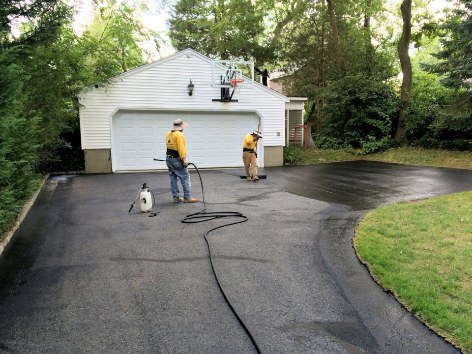 Springfield Driveway Sealing And Asphalt Repair With Titan